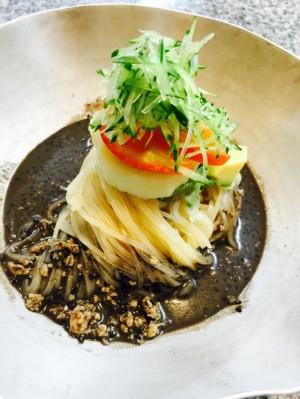 黒ごまチャジャン麺