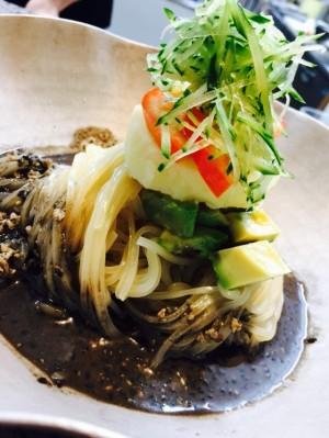 黒ごまチャジャン麺2